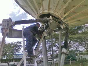 Installation of 7.3m Teleport hub dish