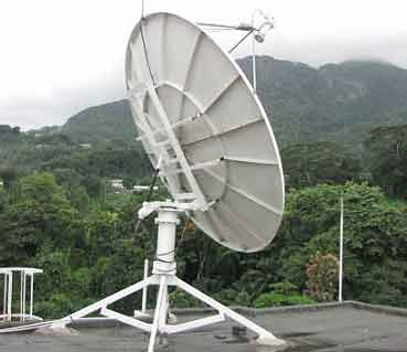 Roof mount VSAT