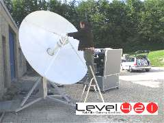Transportable VSAT feed assembly