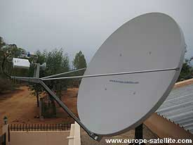 iDirect dish: Pole mount