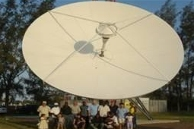 Large axi-symmetric Gregorian satellite antenna