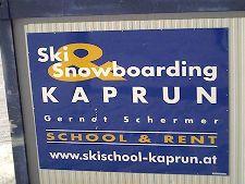 Ski snowboarding in Kaprun