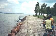 Cycle track alongside lake